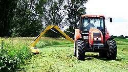 The mulch-laying machine in action (1)