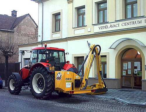 The tractor with the mulch-laying machine